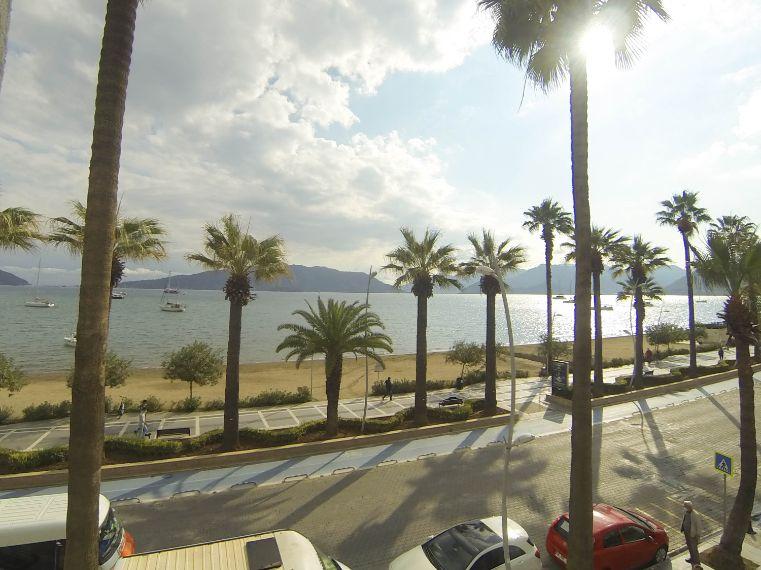Marmaris Merkezde Satılık 3+1 Deniz Manzaralı Rezidans