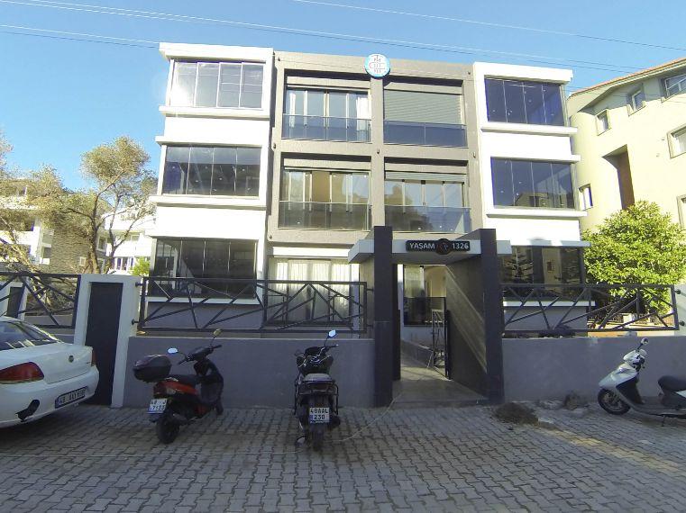 Marmaris Emlak'tan, Kemeraltı mahallesinde  3 oda 1 salon Yeni Düz daire