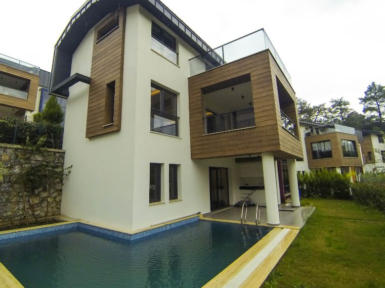 Marmaris Beldibi bölgesinde, Ultra Lüks Site içinde Müstakil Satılık Villa