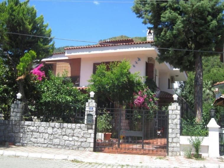 Marmaris İçmeler'de eşyalı Tam Müstakil 5 odalı Villa